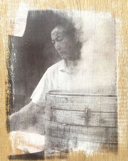 〈SHANGHAI LIVING〉 Claudia Ludwig, 复合媒材, 木板 / Mixed-Media auf Holz, 24 x 20 x 2,5 (cm), 2004